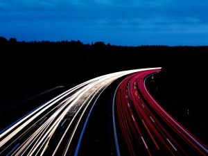 Postal: Luces en la carretera