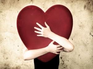 Postal: Abrazo a un gran corazón