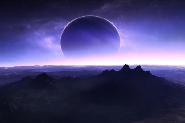 La silueta de un planeta en el horizonte