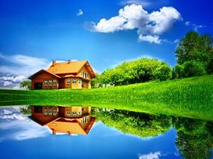 Postal: Casa reflejada en las aguas del lago