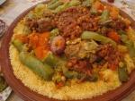 Cuscús con verduras, garbanzos y carne