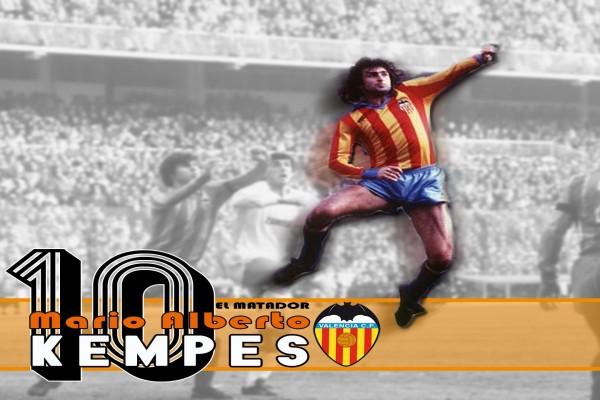 El futbolista Mario Alberto Kempes