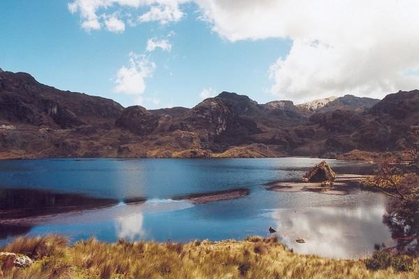 """Lago en el Parque Nacional """"El Cajas"""", Ecuador"""