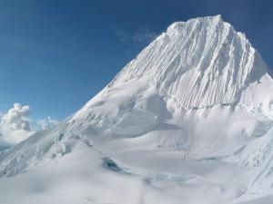 Postal: Montaña Alpamayo, Andes peruanos