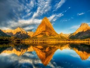 Postal: Reflejo de las montañas
