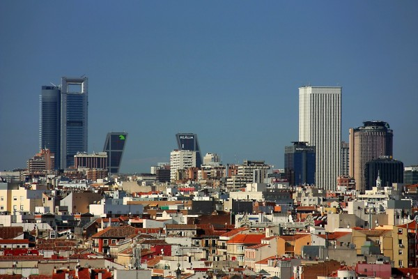 Grandes edificios de la ciudad de Madrid, España