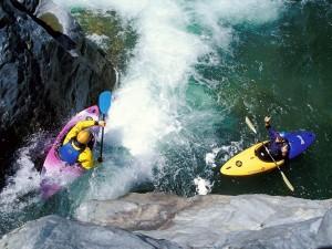 Postal: Rafting en canoa