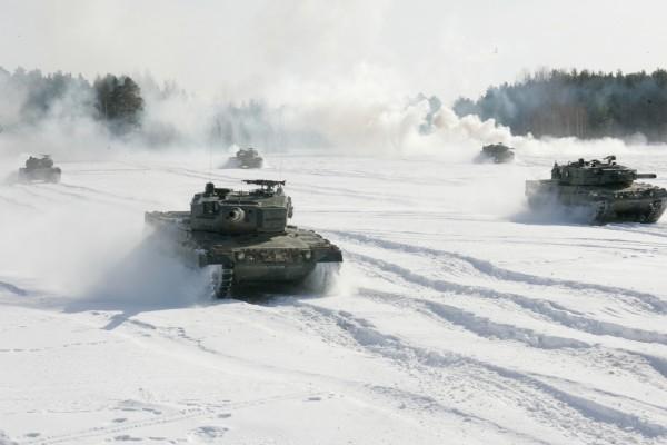 Tanque Leopard en la nieve