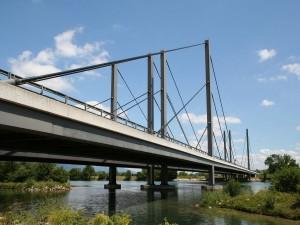 Postal: Puente de la autopista A5 sobre el río Aar (Suiza)