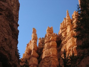 Bryce Canyon Hoodoos en el Parque Nacional Bryce Canyon, Utah, EE.UU.