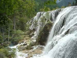 "Cascada ""Banco de Perlas"" al oeste de Sichuan, China"