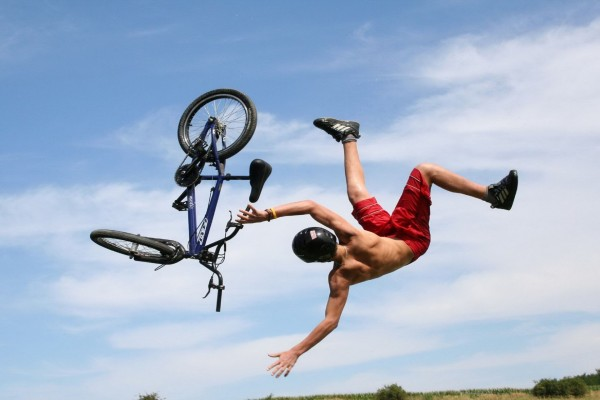 Voltereta con la bici