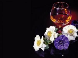 Copa y flores