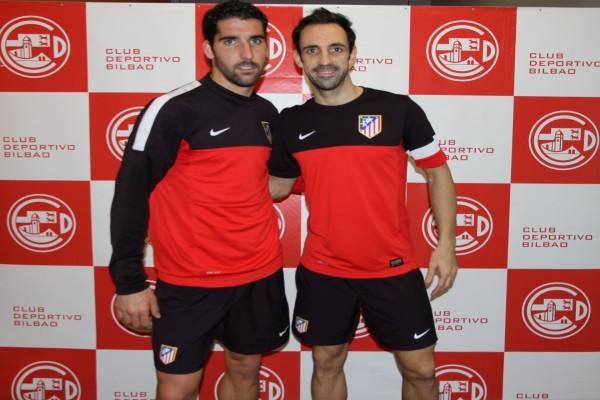 Dos jugadores del Atlético de Madrid, Raul García y Juanfran