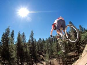 Postal: Salto en bici