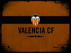 Postal: Escudo del Valencia CF en fondo naranja