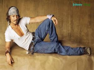 Postal: Johnny Depp posando para la foto
