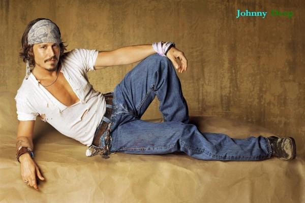 Johnny Depp posando para la foto
