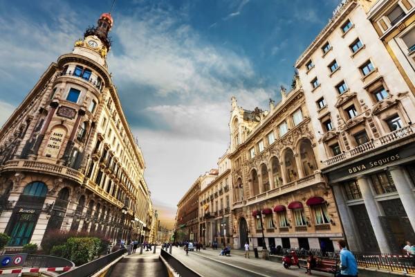 La Gran Vía de Madrid (España)