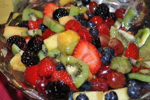 Ensalada con muchos frutos rojos