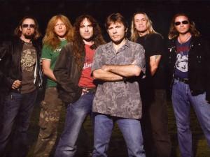 El grupo Iron Maiden al completo