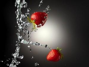 Postal: Fresas al agua