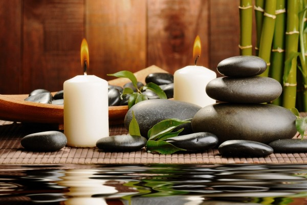 Relax con piedras y velas