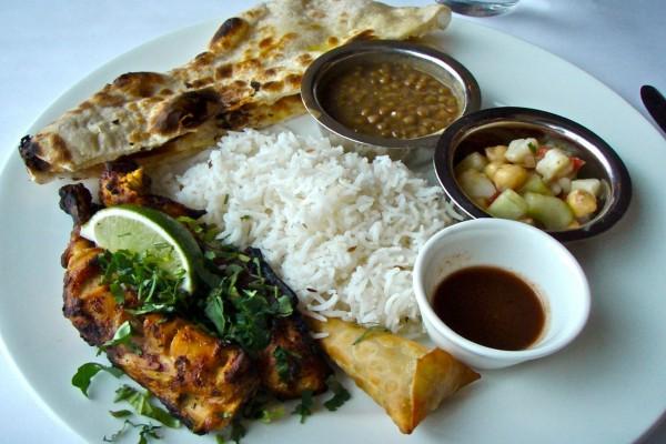 Plato de comida tradicional de la India