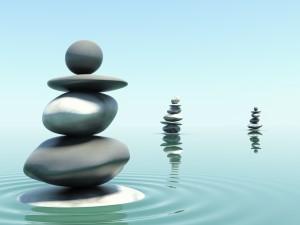 Piedras en equilibrio sobre el agua