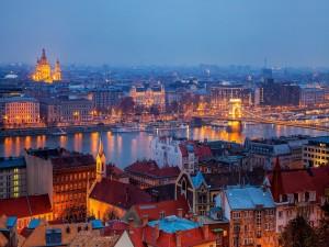 Postal: Anochecer en Budapest