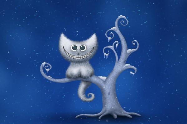 Gato sonriendo sobre un árbol nevado
