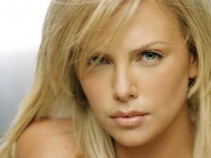 Postal: La actriz y modelo sudafricana Charlize Theron