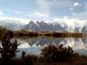 Postal: El Mont Blanc con nubes