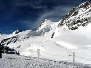 Postal: Jungfrau (4150 m), Alpes de Berna