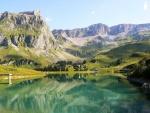 Lago en el Muotathal (Suiza)