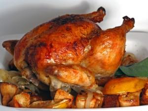 Apetitoso pollo asado