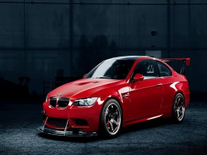 Postal: Coche BMW rojo