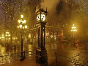 Postal: Reloj en la ciudad
