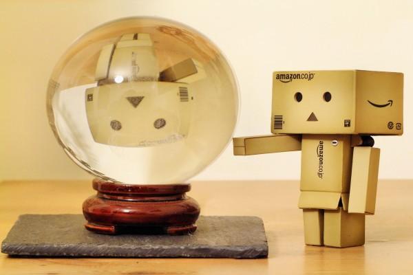 Danbo y una bola de cristal