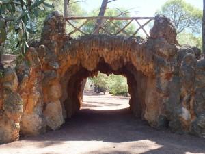 Postal: Puente-entrada a un parque