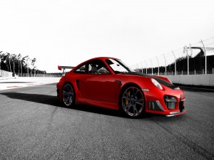 Bonito coche rojo