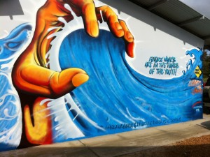Postal: Agarrando la ola
