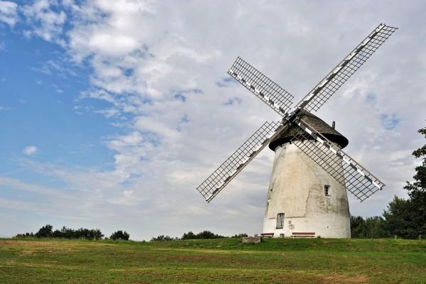 Molino de viento en Renania del Norte, Westfalia (Alemania)