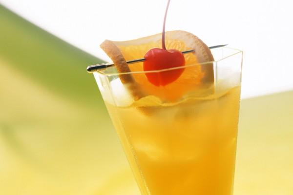 Bebida con naranja