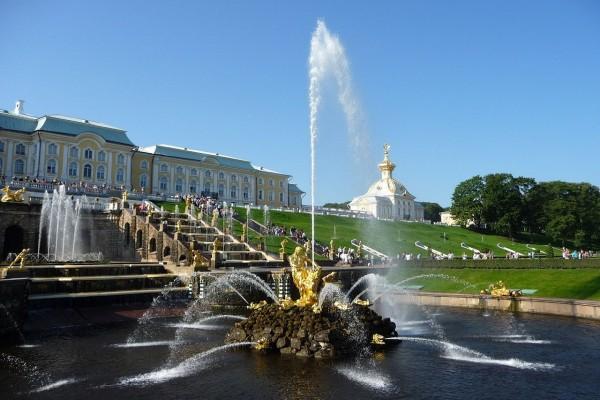 La Fuente de Sansón en Peterhof (San Petersburgo, Rusia)