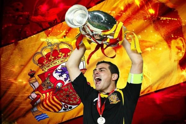 Iker Casillas con la copa
