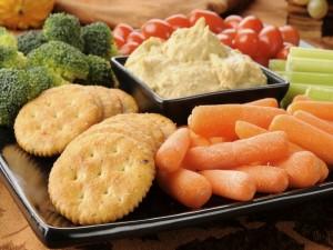 Snacks de verduras crudas con paté