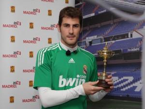 Iker Casillas con una copa