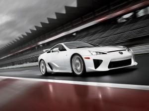 Postal: Lexus LFA