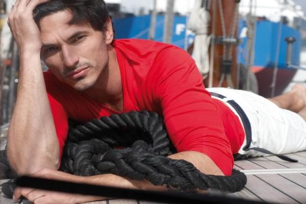 El modelo español Andrés Velencoso